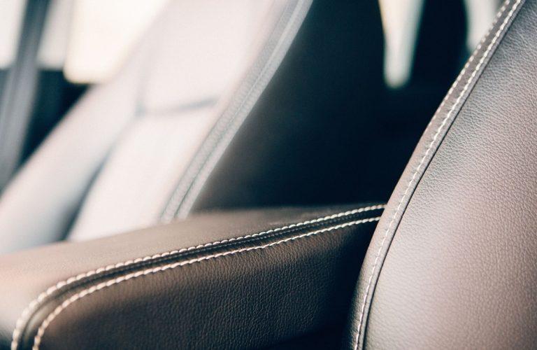 Właściwy połysk skór samochodowych